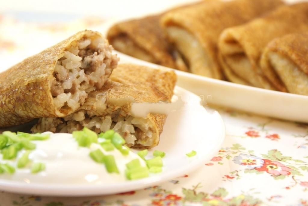 Блины фаршированные мясом и рисом с фото