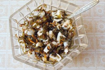 Салат с кальмарами - самый вкусный рецепт с пошаговым фото