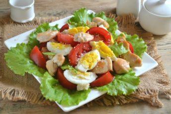 Салат Цезарь с курицей и сухариками - в домашних условиях