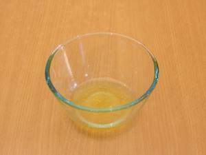 Наливаем лаймового сока.