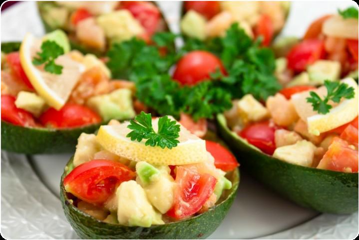 Лодочки из авокадо
