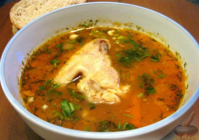 Наш суп харчо готов. При подаче посыпать заправкой.