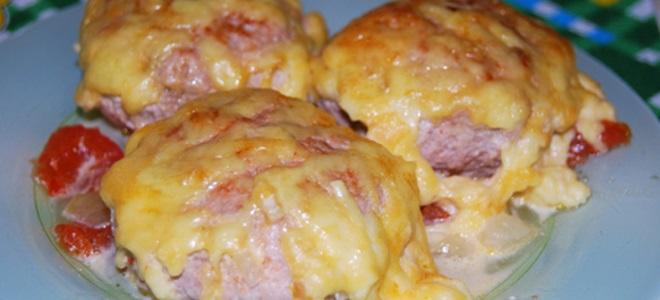 Шницель из фарша с сыром