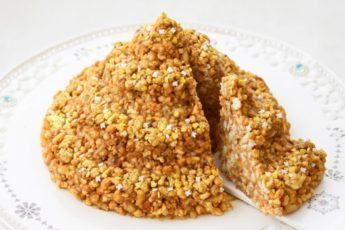 Торт «Муравейник» из печенья со сгущёнкой