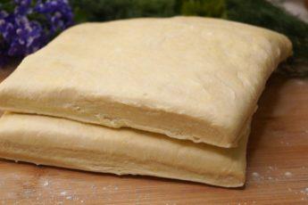 Готовлю Слоеное тесто теперь только так! Слоистое и готовится за 10 минут!