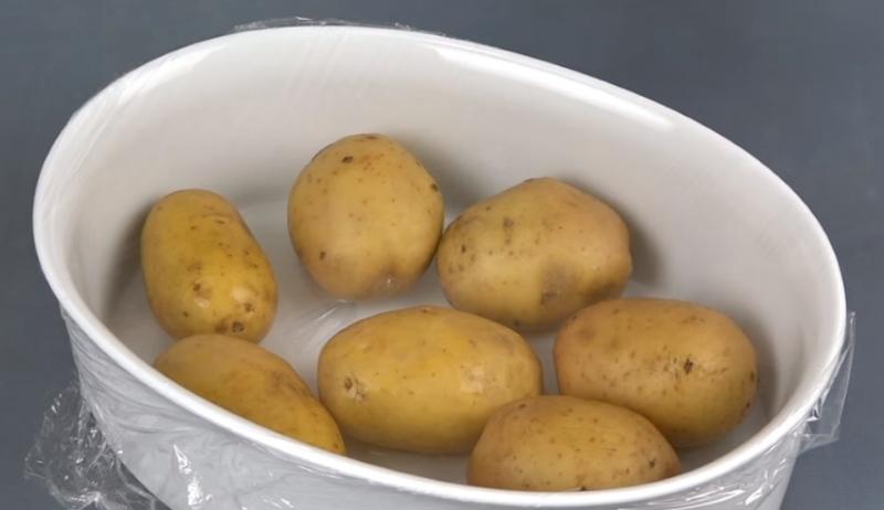 Работал в столовой военного санатория: хитро варю картофель в мундире за 5 минут!