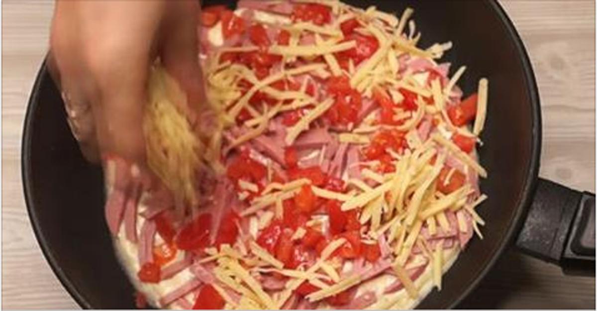 Пирог на сковороде за 20 минут: выручит любую хозяйку