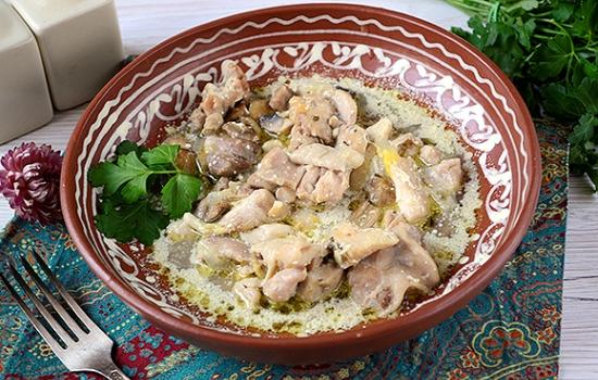 Тушеная курица с грибами: сытно и ароматно! Пошаговый авторский рецепт быстрого приготовления курицы с грибами в мультиварке