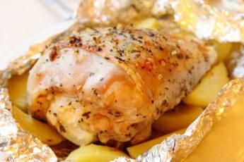 Голень индейки с картошкой в духовке
