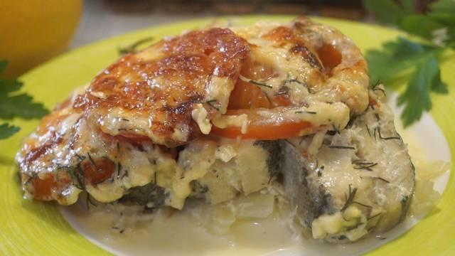 Минтай с помидорами и сыром. Вкусный и Легкий ужин за 40 минут!