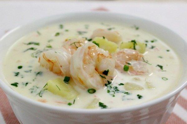 Сырный суп с овощами и креветками