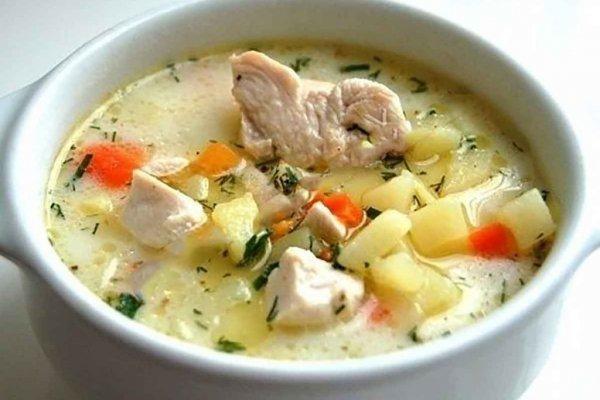 Картофельно-куриный суп с плавленым сыром