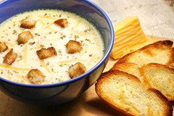 Быстрый суп из плавленых сырков и окорока