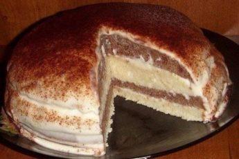 Легкий торт на кефире со сметанным кремом