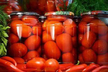Сладкие маринованные помидоры - удачный рецепт
