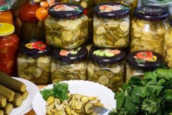 Салат из огурцов на зиму, без стерилизации и без варки. Рецепт - находка!
