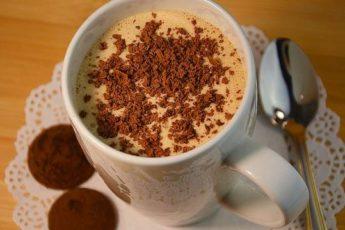 Молочный коктейль с мороженым и кофе за 2 минуты