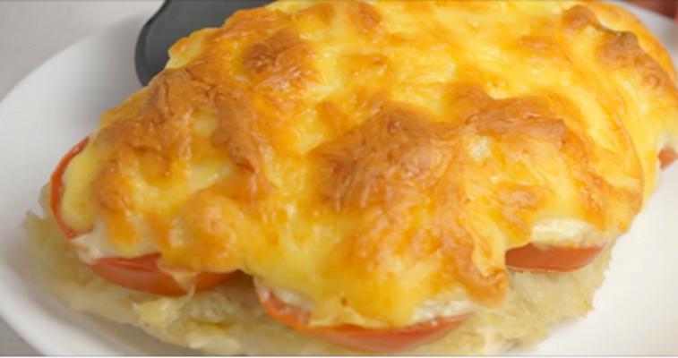 куриная грудка под овощами и сыром