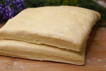 Готовлю слоеное тесто теперь только так! Слоистое и готовится за 10 минут