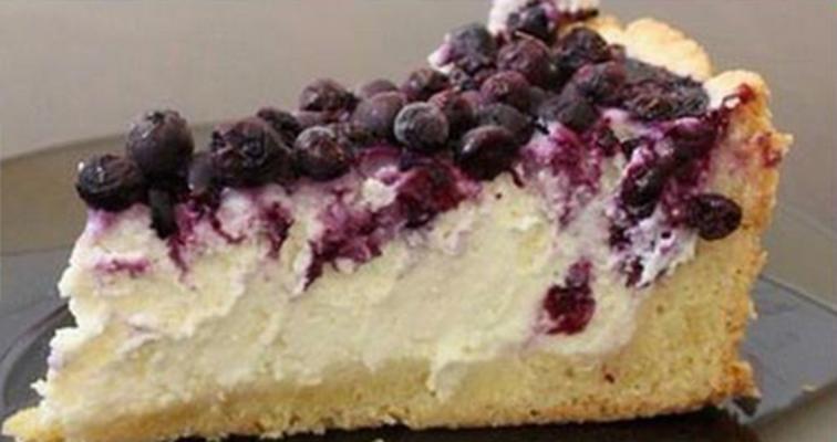 Творожно-ягодный пирог с нежным тестом