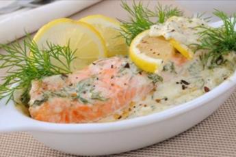 Аппетитная рыбка, запеченная в лимонно-сливочном соусе