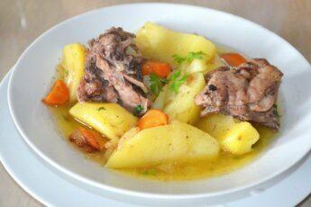 Картошка тушёная с уткой. Рецепт с фото