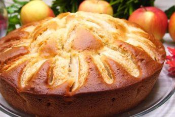 Сочный пирог на кефире с яблоками за 9 минут. Обязательно возьмите себе этот рецепт на заметку