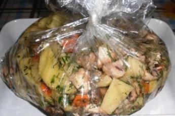 Обалденная картошка с грибами в рукаве