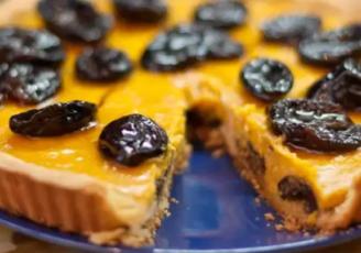Тыквенный пирог с черносливом