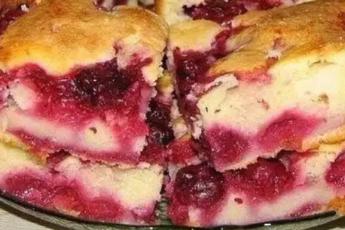вкусный пирог с замороженными ягодами
