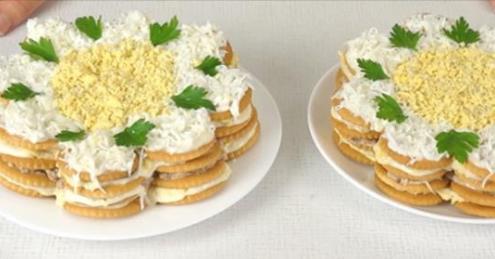 Закусочный торт-салат из крекеров