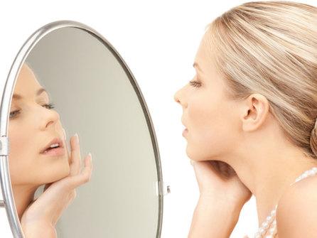 Как бороться с покраснениями, высыпаниями и другими проблемами кожи с помощью солевых ванн