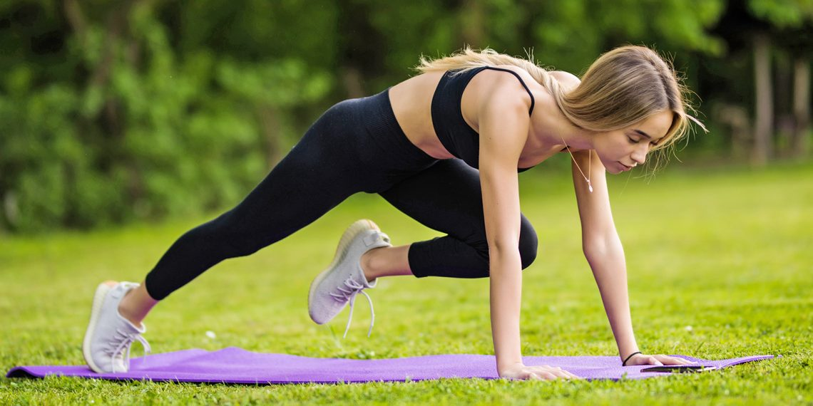 Тренировка дня: отжимания и планки, которые вы никогда не пробовали