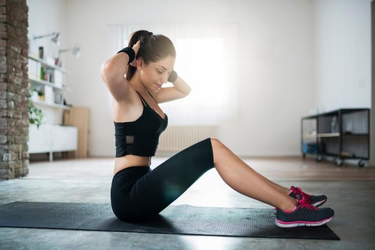 Тренировка дня: всего 3 упражнения приведут в тонус всё тело