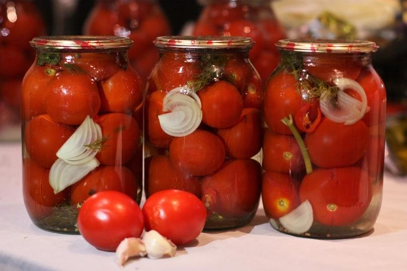 Заготовки на зиму: помидорки в сладком маринаде