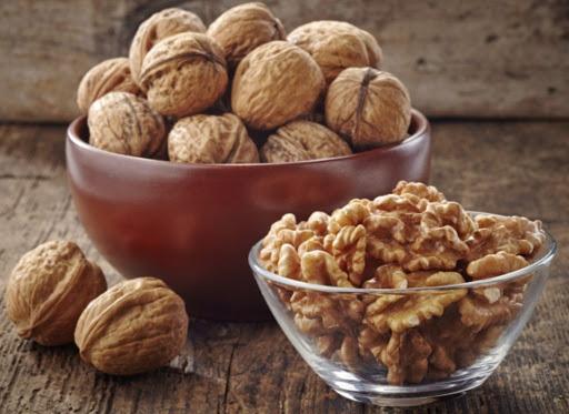 Польза от грецких орехов и рецепт для омоложения.